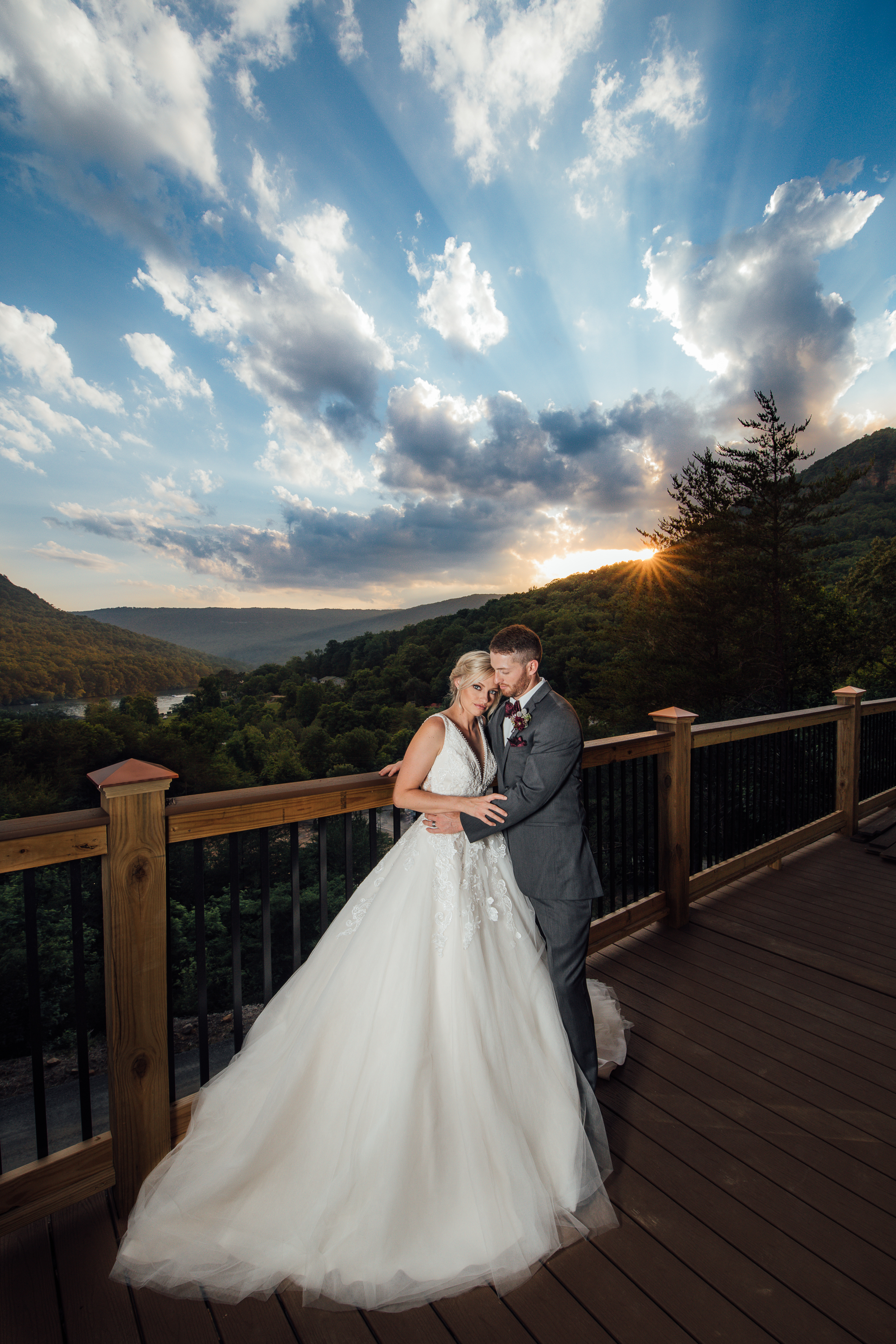 Epic views of the gorge from Windsor Hall | Photo:  Lux Amore Photography