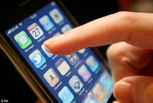 iPhone-5-Touchscreen-Glitch.jpg