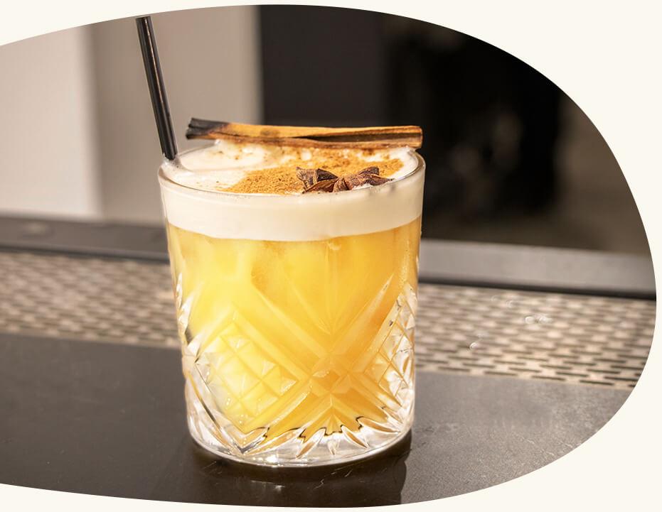Un bar premium - Une verrerie de qualité supérieure, des cocktails savamment exécutés, des produits minutieusement sélectionnés. Le Comptoir vous permet de re-créer l'ambiance d'un bar à cocktails de prestige sur votre événement.