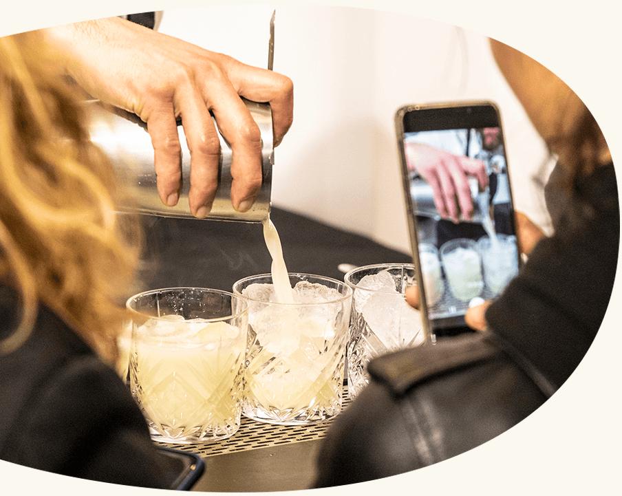 Vos envies - Cocktails classiques ou créations originales aux associations surprenantes, notre carte s'adapte à vos besoins. Parlez-nous de votre événement et nous créerons ensemble la carte idéale!