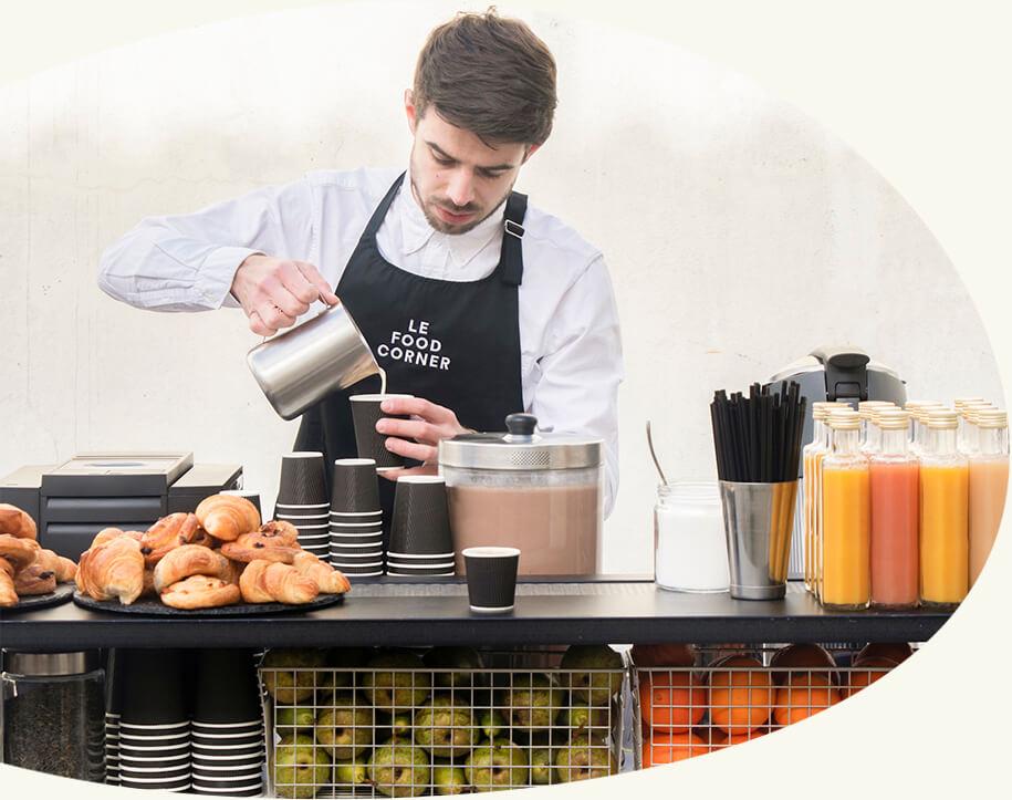 Une offre complète - Un percolateur de café, des fruits pressés, des pancakes préparés sur l'instant ou des œufs brouillés au bacon : nos petits-déjeuners s'adaptent à vos envies.
