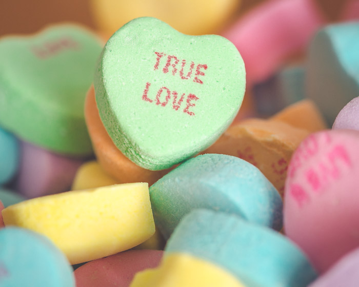 © 2016 SuZan Alexander   Conversational Heart Candy  . Digital Photography