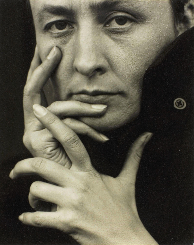 Alfred Stieglitz [Public domain], via Wikimedia Commons