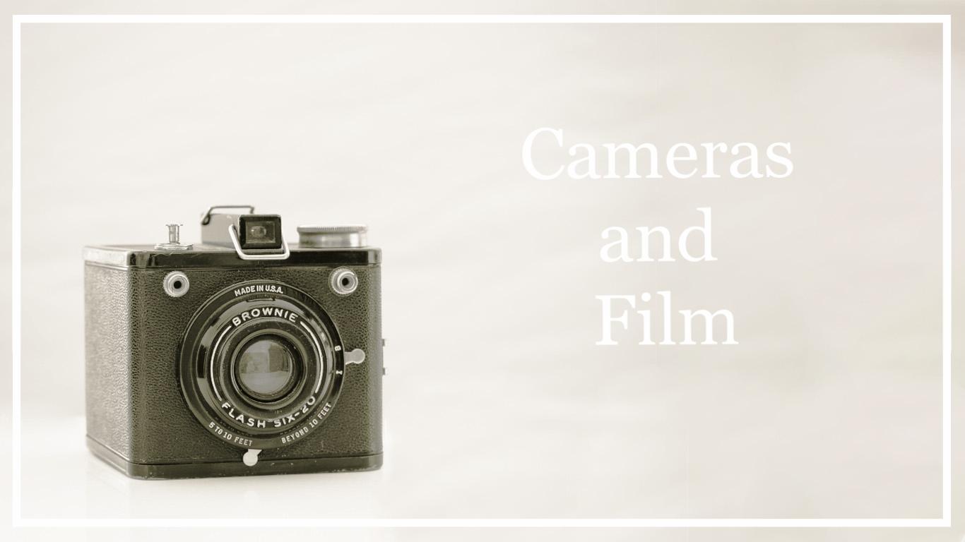 © 2017 SuZan Alexander   Vintage Camera  . Digital Photography