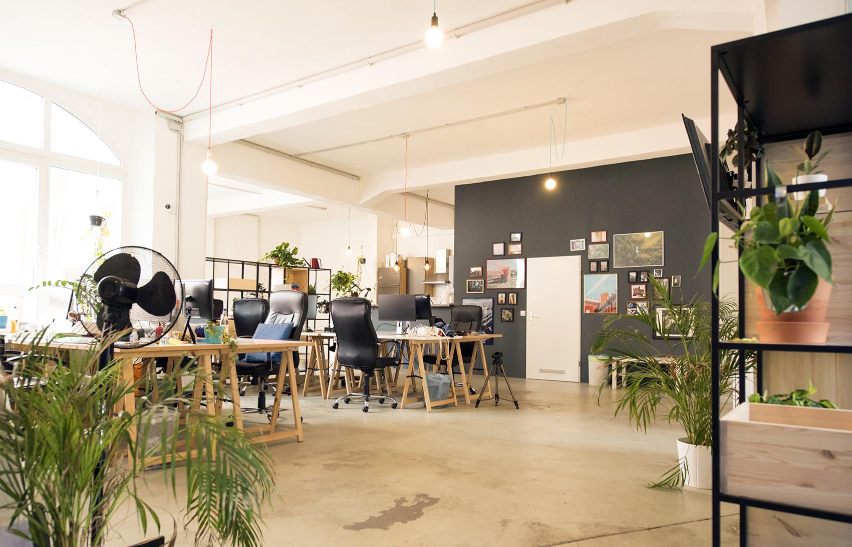 office_s.jpg