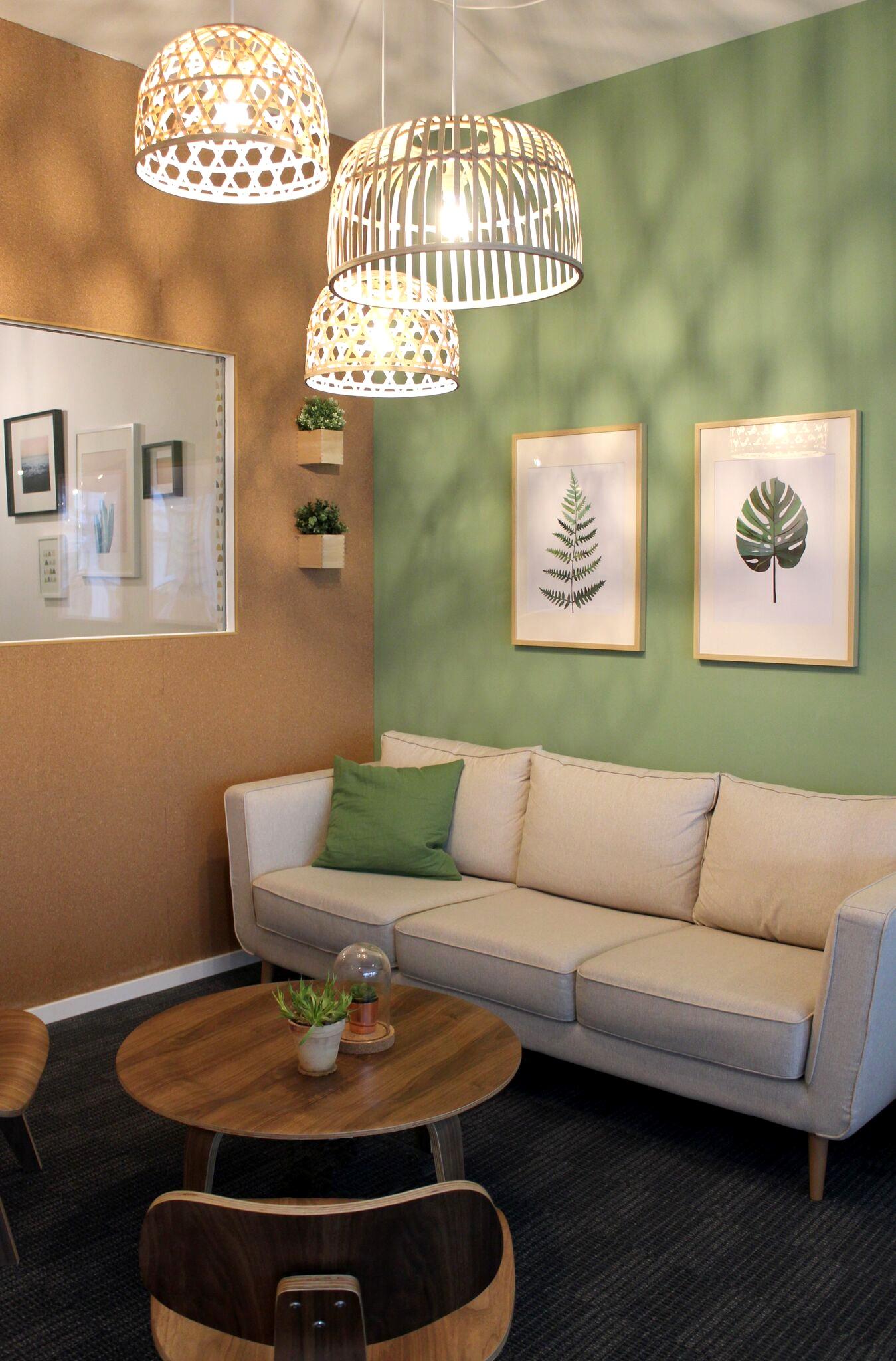 uberall_couchroom.jpg