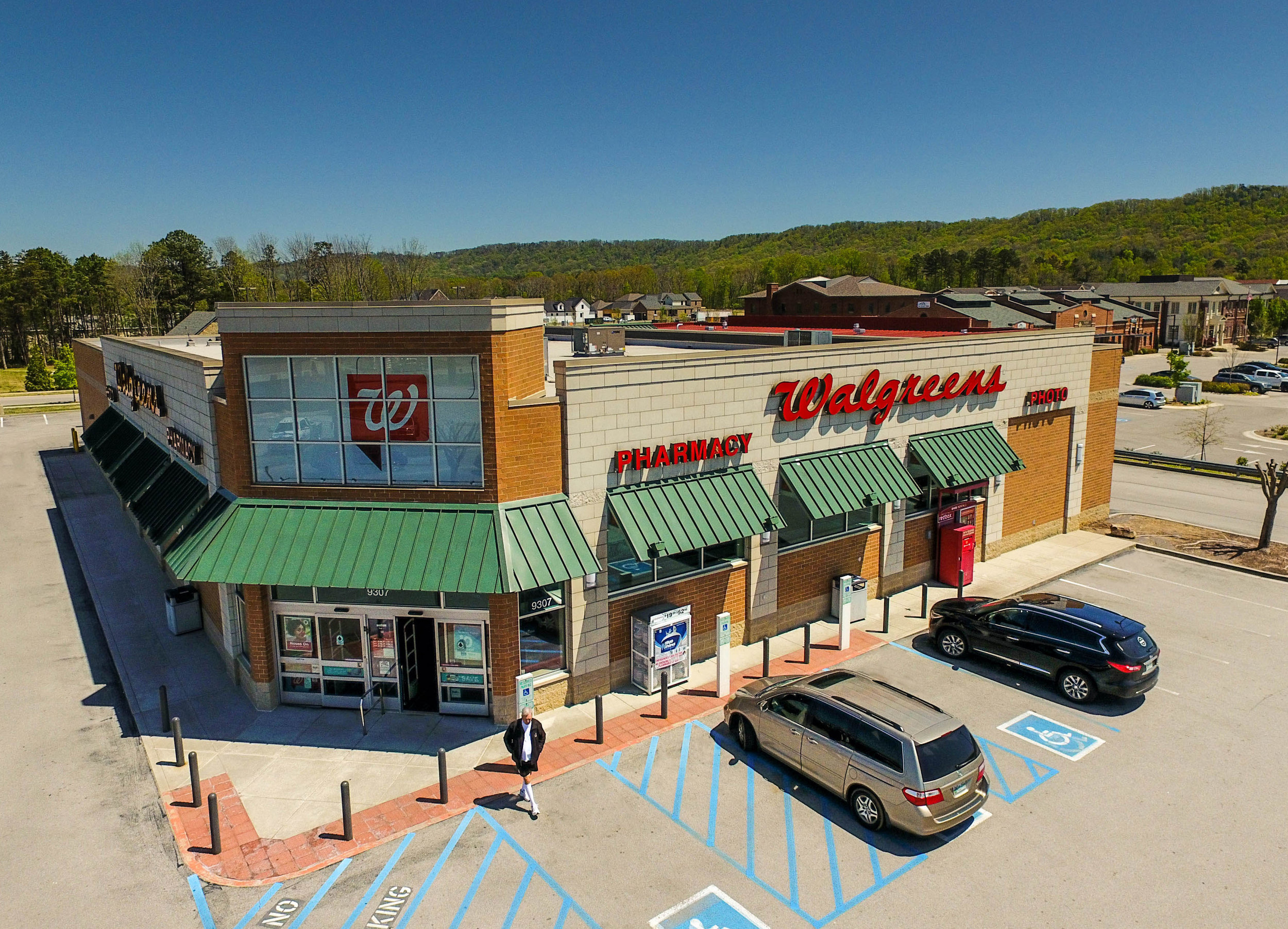 Walgreens Pharmacy - Ooltewah, TN   We completed this Walgreens in the thriving center of Ooltewah in early 2008.