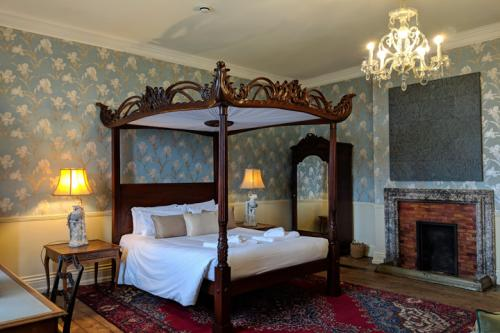 huntsham-court-beryl-boudoir-bedroom-720-img_20190131_111716a.jpg