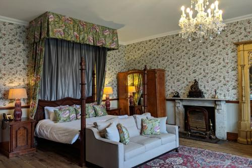 huntsham-court-douglas-bedroom-720-img_20190131_112137a.jpg