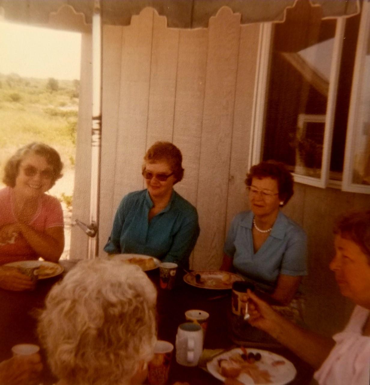 Eleanor Mott, Mary Cumming, Helen Rigby, Laura Blank