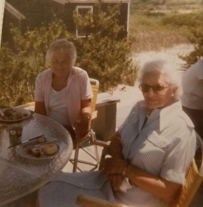 Edna Hawthorne & Margaret Nugent