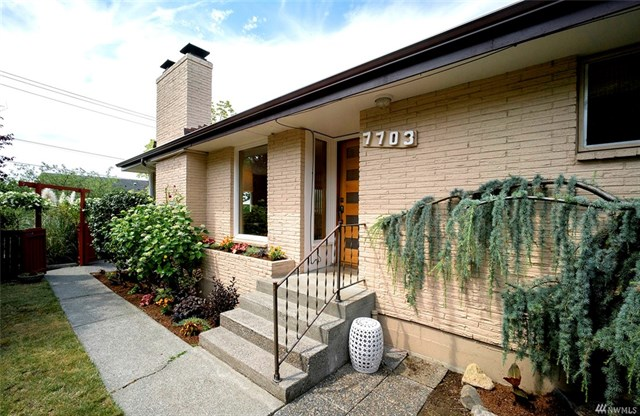 *7703 Sunnyside Ave N, Seattle   $1,000,000