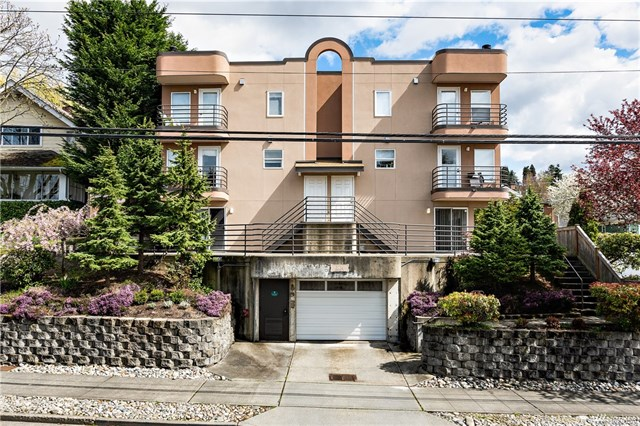 *3216 14th Ave W #104 | $329,000