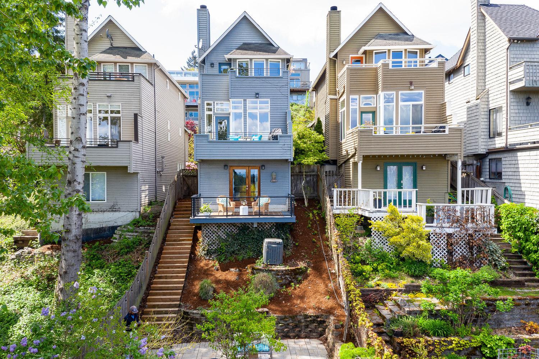 316 25th Ave E, Seattle   $940,000