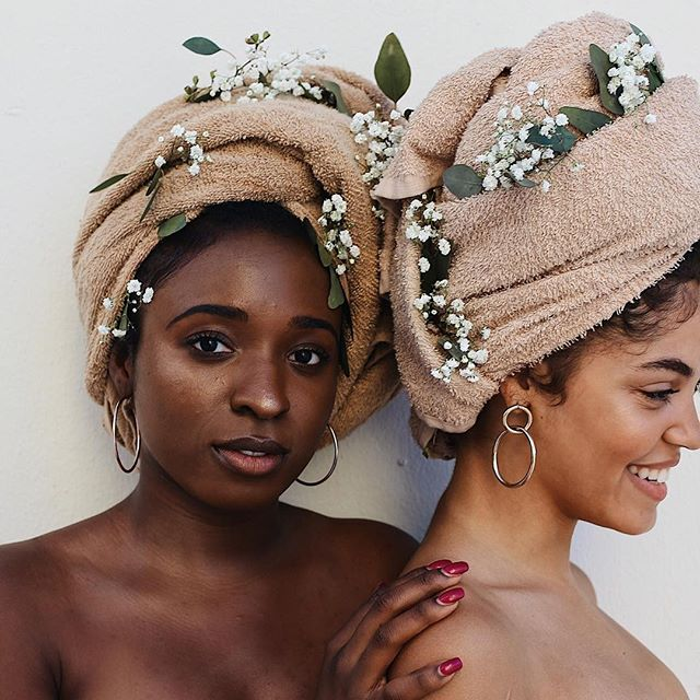 healing is a contagious, reverberating act. heal for yourself, for your mama, & her mama. for your sisters & their sisters. for your daughters & their daughters. ✨ ⠀ ⠀ [photo by @afrosinsanjuan of @betaniarenee & @harmonicurls] #staysoft