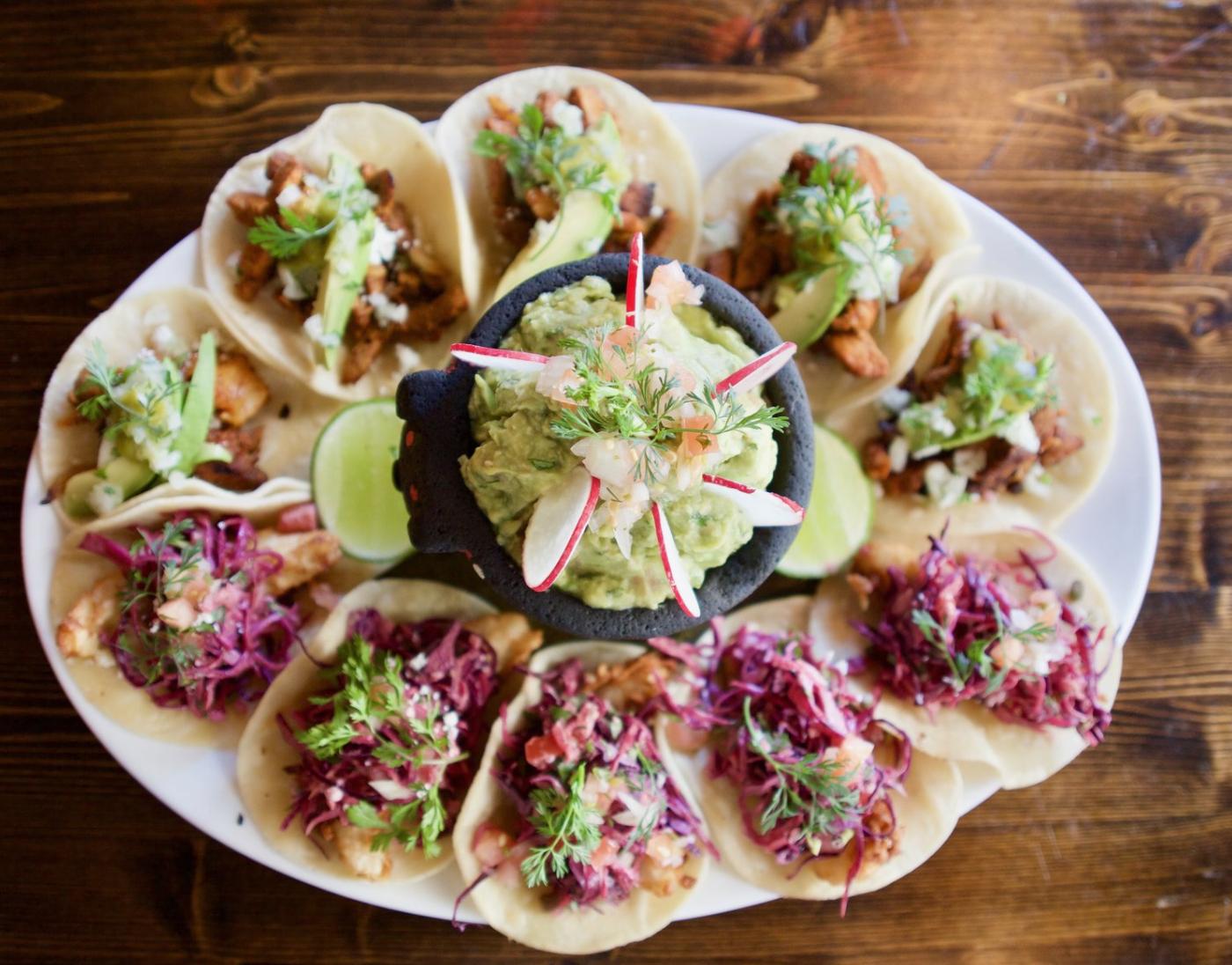 Tacos De Mar Y Tierra