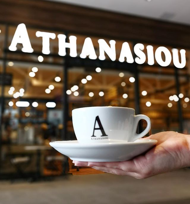 Al mal tiempo, un buen café! ☕️ @athanasioupty #SantaMariaPlaza #YaAbiertos #Athanasiou #SantaMaria