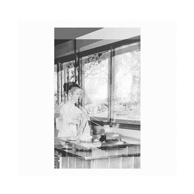 moment of zen . . . . . #japan #garden #tea #teaceremony #traditional #sakura #chillvibes #travel #traditional #glitch #kimono #discovideos #blackandwhite #bw #placesandprose #matcha #iphoneography #zen #japanese #japanesegarden #tokyo #asia #eastasia