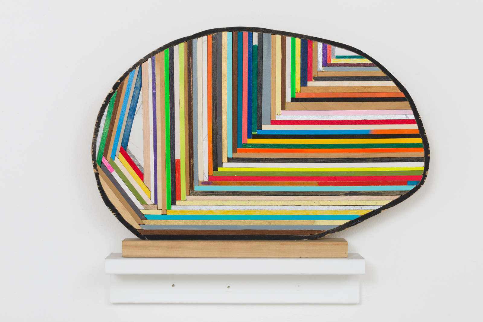 Damien Hoar de Galvan  egg ,2016 wood, paint 11 x 16 x 2 in.