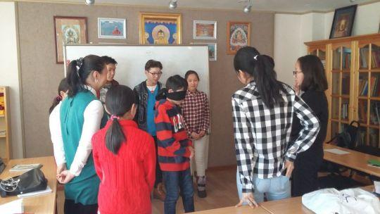 Youth participating in the 16 Guidelines English language classes, Ulaanbaatar, Mongolia, January 2018. Photo by Ianzhina Bartanova.