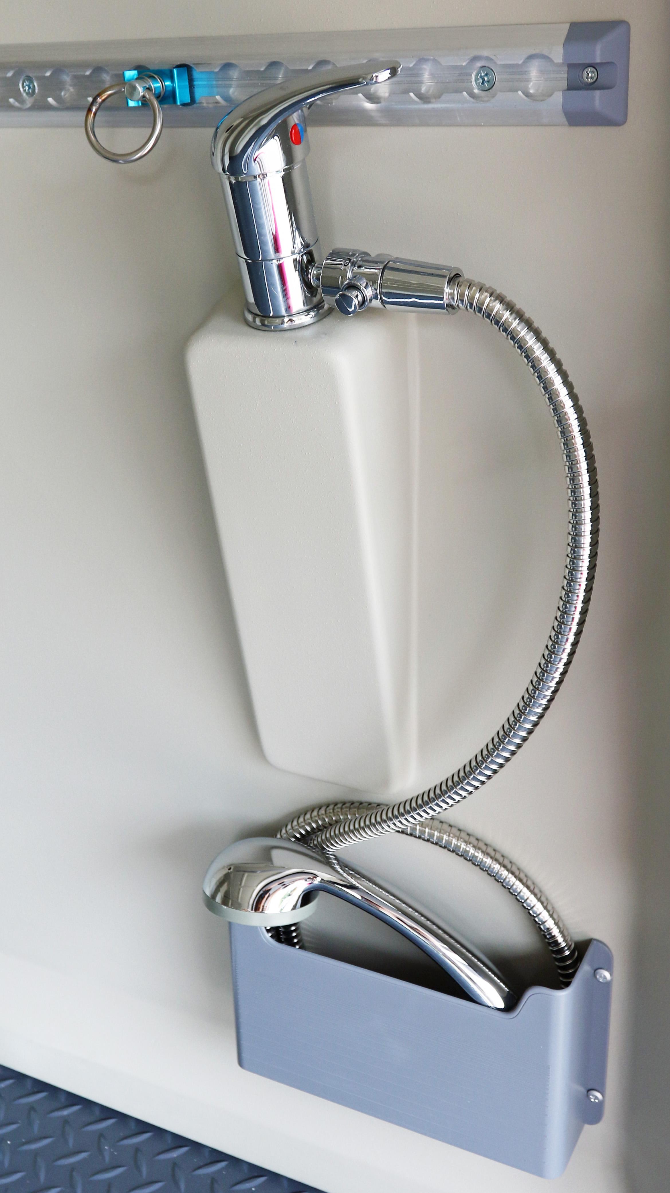 Garage shower / jetwash