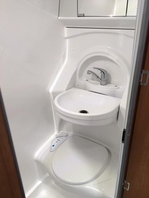 Explorer Sport bathroom