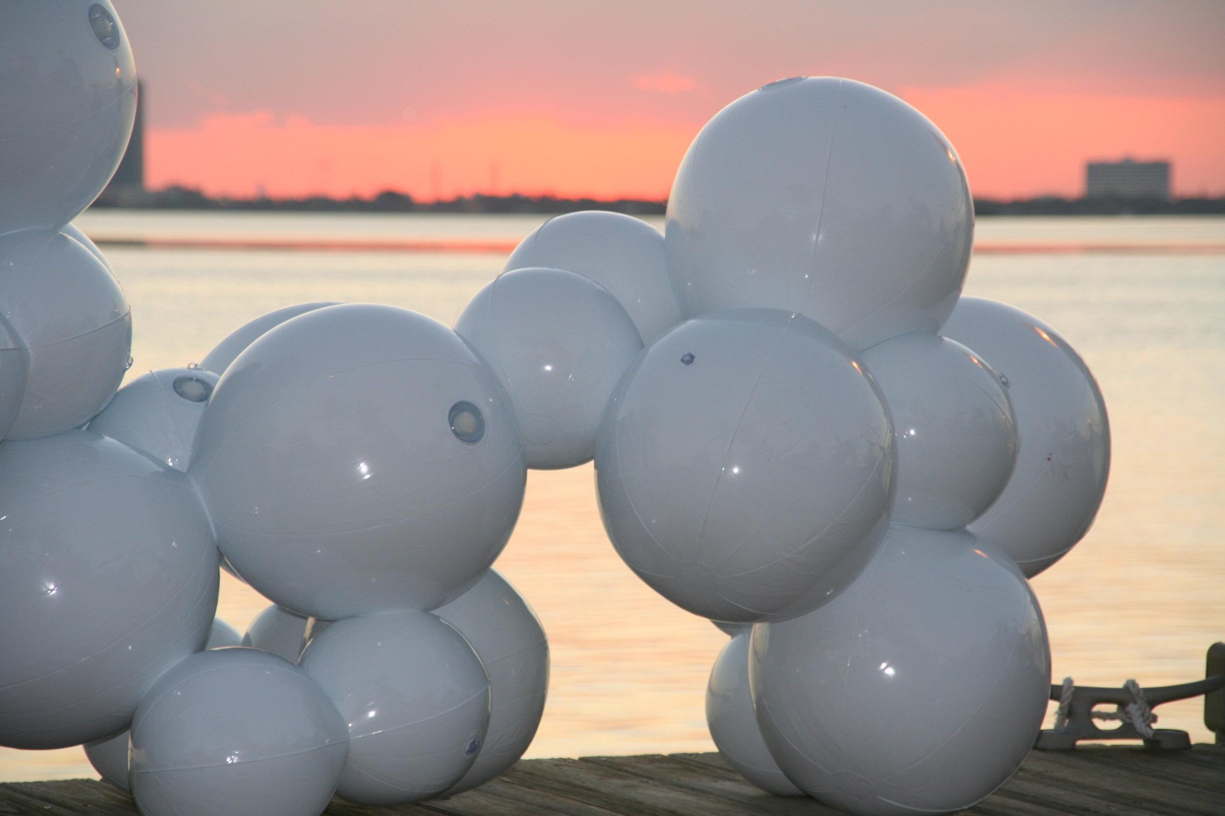 luis-pons-design-art-instalation-outdoor-furniture_5.jpg