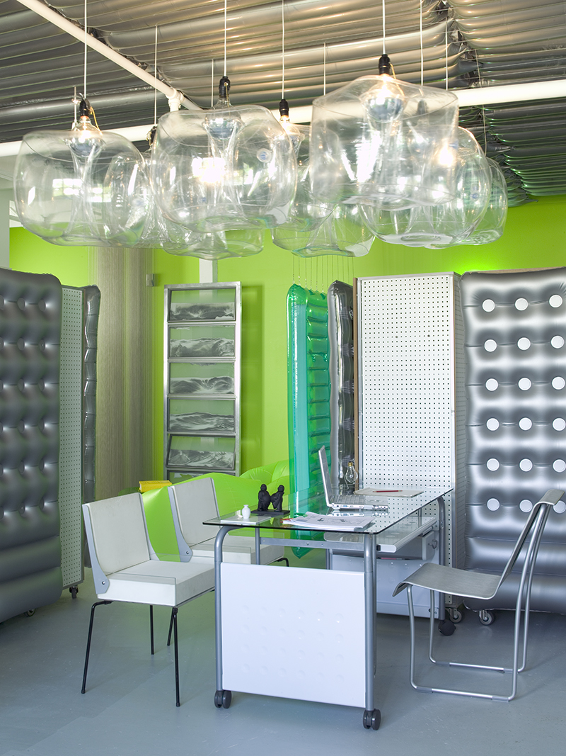 luis-pons-design-art-instalation-miami-office_3.jpg