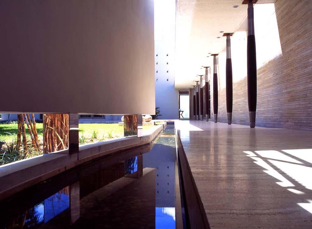 luis-pons-design-interior-house_miami_3.jpg
