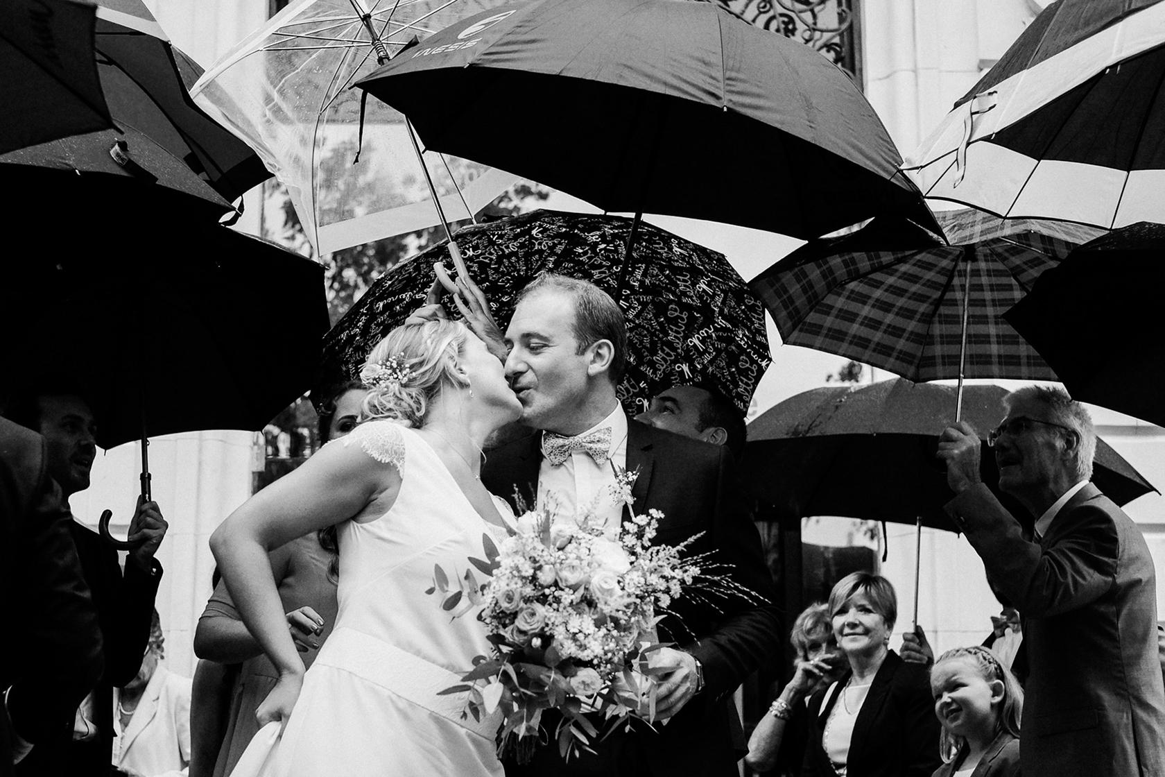 Reportage de mariage à Saint-Hilaire-de-Brethmas, à partir de 1000€.
