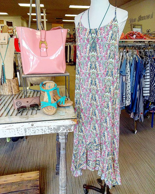 Stay cool in this cute dress... #urbanrenewalconsign #marietta #mariettasquare #shopgreen19 #atlconsignment #atlantaconsignment #atlstyle #shoplocal #shopsmall #fashionista #beattheheat #ootd #styleinspo #thrifting #consignmentboutique