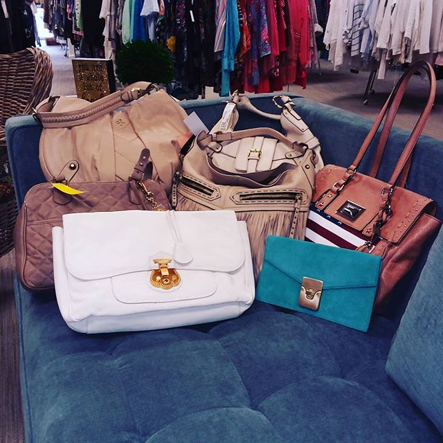 Last chance!! These NWT purses will be leaving the sales floor soon! They're all down to their final prices & brands include Talbots, Oryany, Aimee Kestenberg & more. Prices range from $20.99 to $62.99. Grab yours today!  #urbanrenewalconsign #mariettaconsignment #clothingboutique #atlconsignment #atlantaconsignment #shopgreen19 #talbots #purses #pursesforsale #styleinspo #fashionblogger #fashionista #shoplocal #shopsmall #shopmycloset #mariettasquare