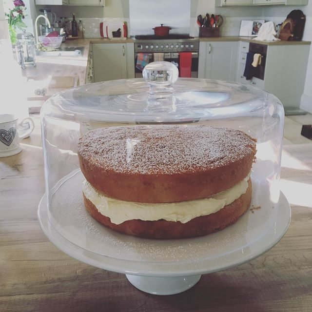 Welcome to Rock Farm 🍰 #airbnb #visitgloucestershire #superhost #gradeiilisted #farmhouseinteriors #selfcateringaccommodation #victoriasponge #selfcatering #weekendaway #henhouse #forestofdean #deanwye #