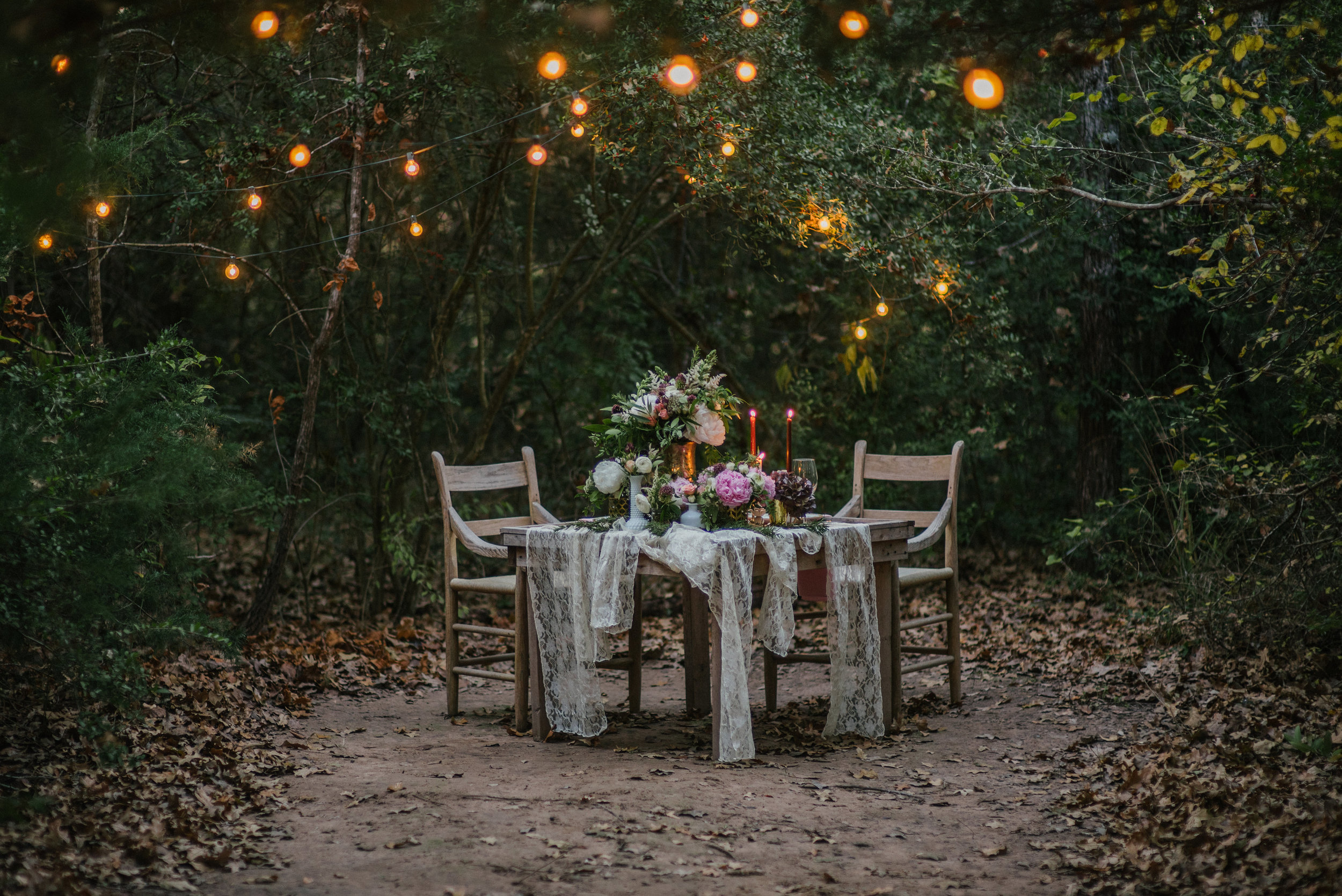 - We offer a wide range of services to fit any event or wedding budget. We focus solely on the creation and design of wedding and event florals. To accommodate you we offer design, full-service, diy and a la carte packages to meet anyone's needs.