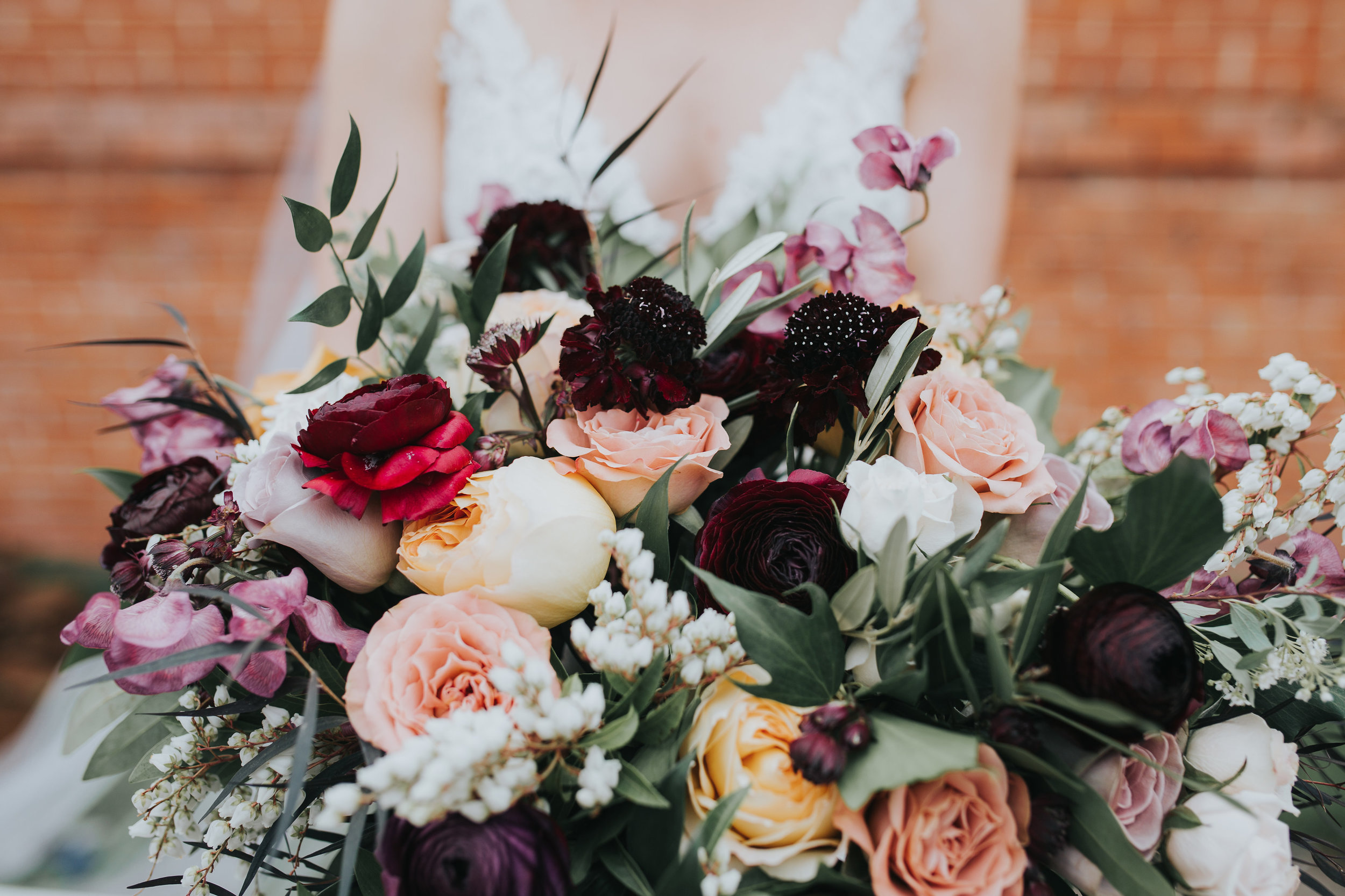 If you don't want to stress over the details, but you want your wedding to look beautiful then take a look at our design package! Let us help by recommending vendors, creating a design board, and working out all the decor details including table top selections. -