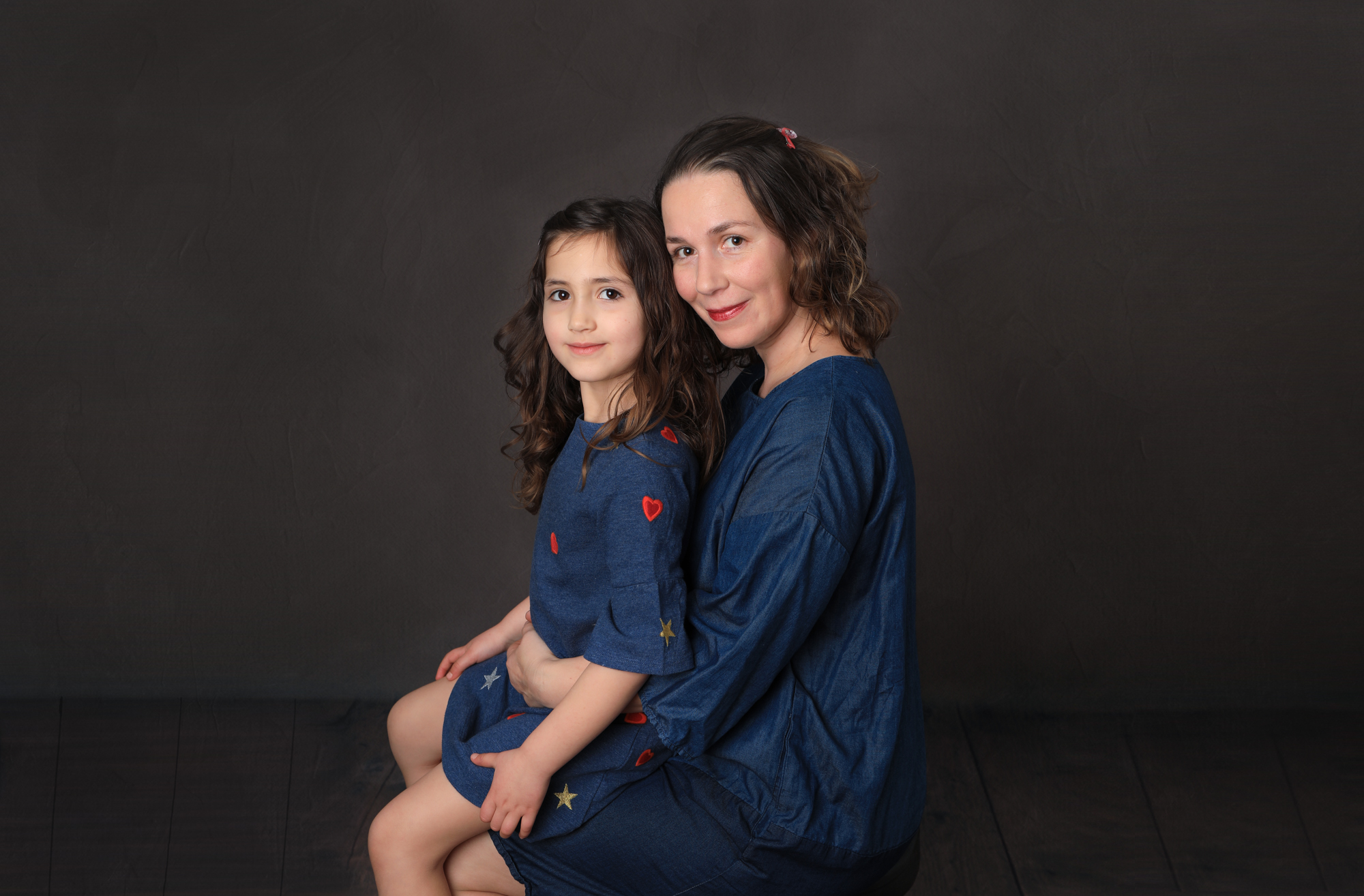 Children & family in studio -