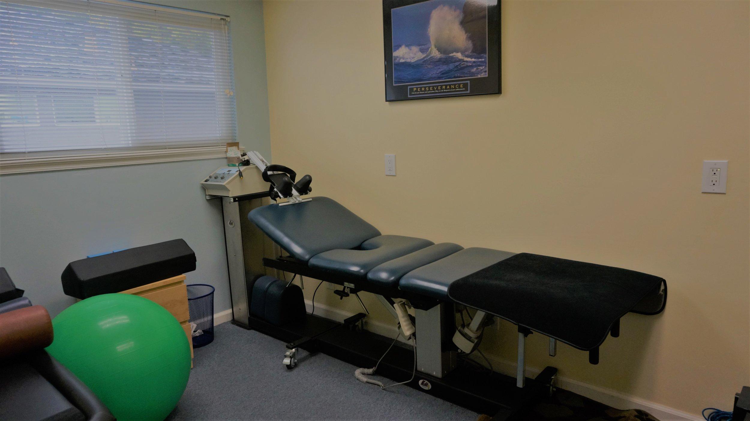 Pineda Chiropractic Decompression.JPG