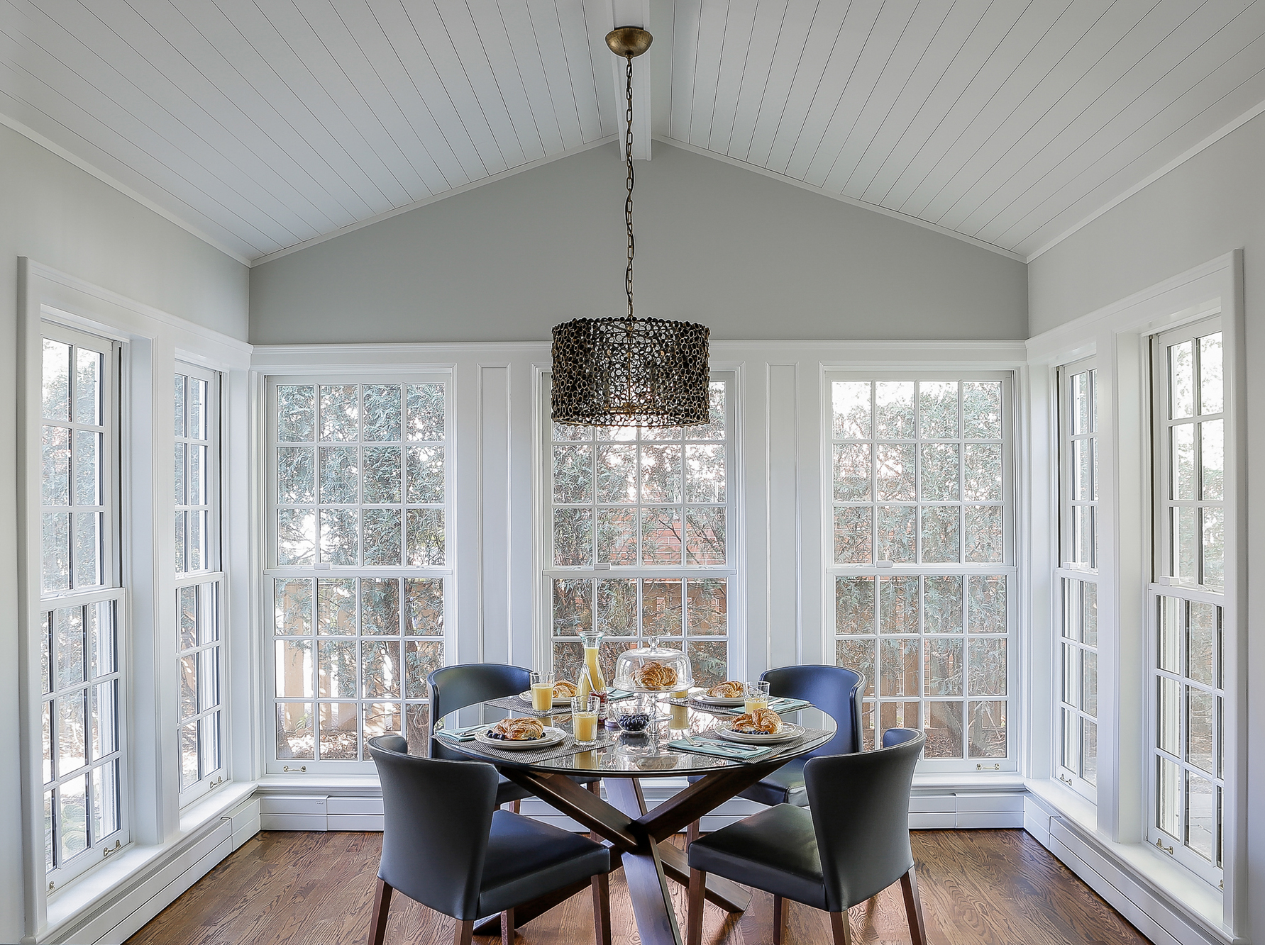 Breakfast nook Edited2.jpg
