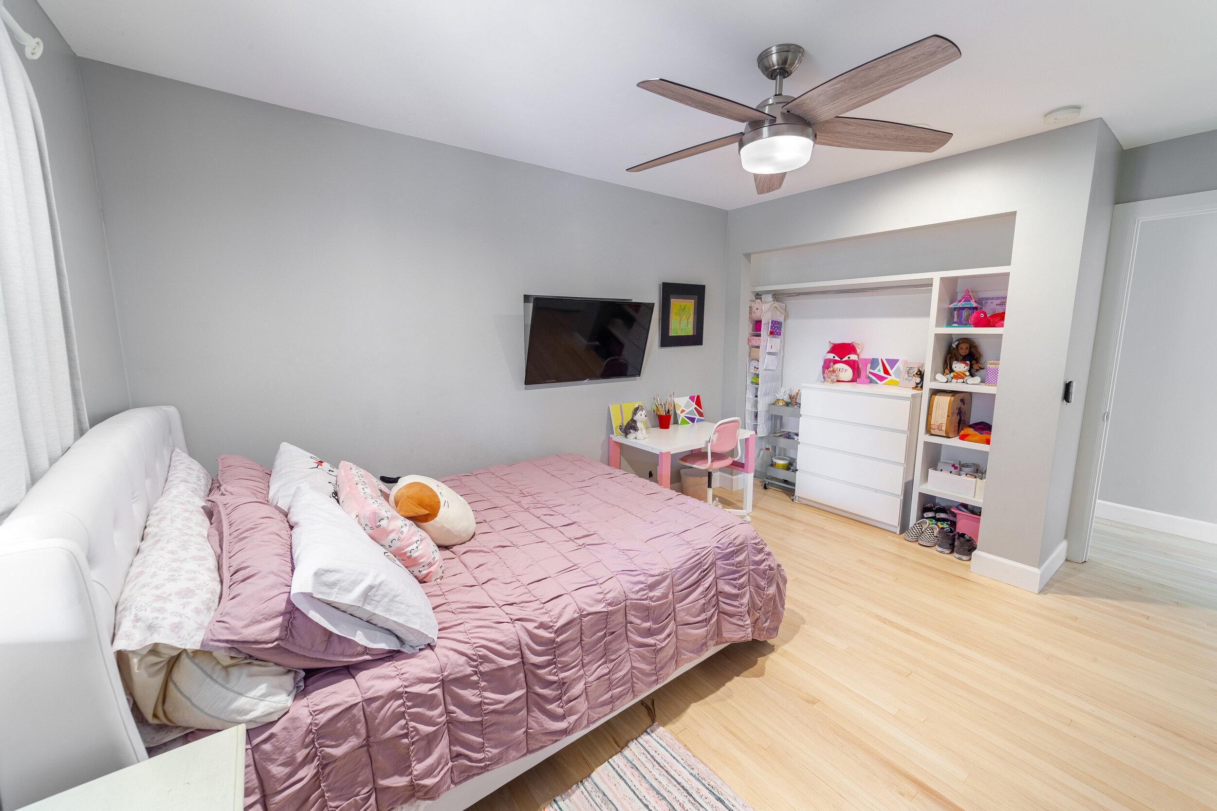 Bed2-2.jpg