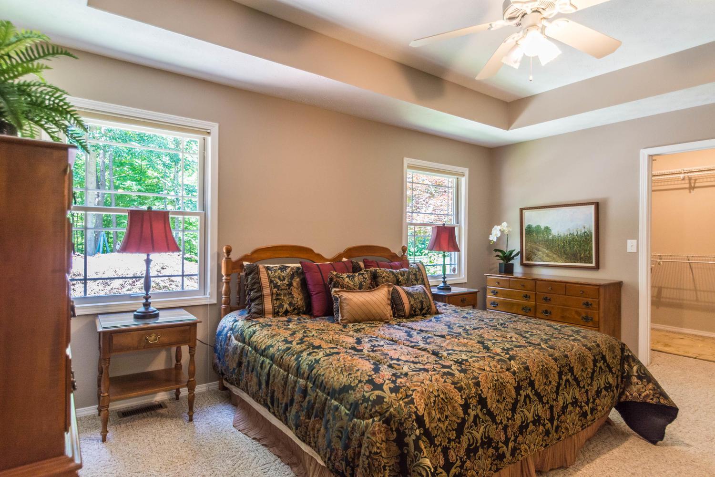 5600 Nathan Way Bloomington IN-large-031-24-Bedroom 2 En suite-1500x1000-72dpi.jpg