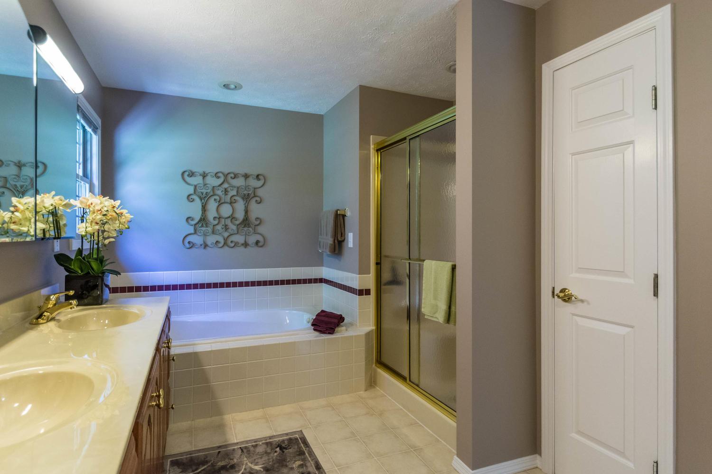 5600 Nathan Way Bloomington IN-large-032-18-Bathroom-1500x1000-72dpi.jpg