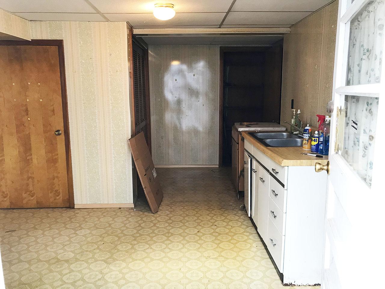19_Kitchen2_1.jpg