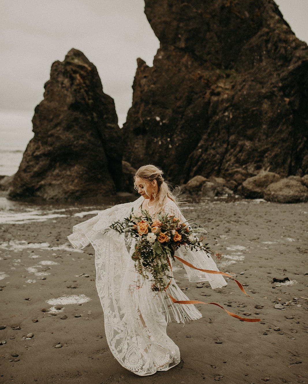 Ruby_Beach_Styled_Elopement_-_Run_Away_with_Me_Elopement_Collective_-_Kamra_Fuller_Photography_-_Portraits-48.jpg