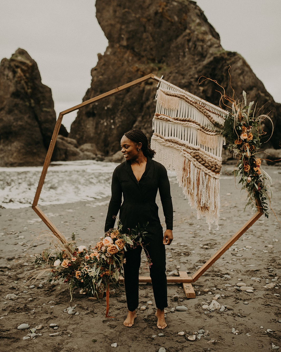 Ruby_Beach_Styled_Elopement_-_Run_Away_with_Me_Elopement_Collective_-_Kamra_Fuller_Photography_-_Portraits-7.jpg