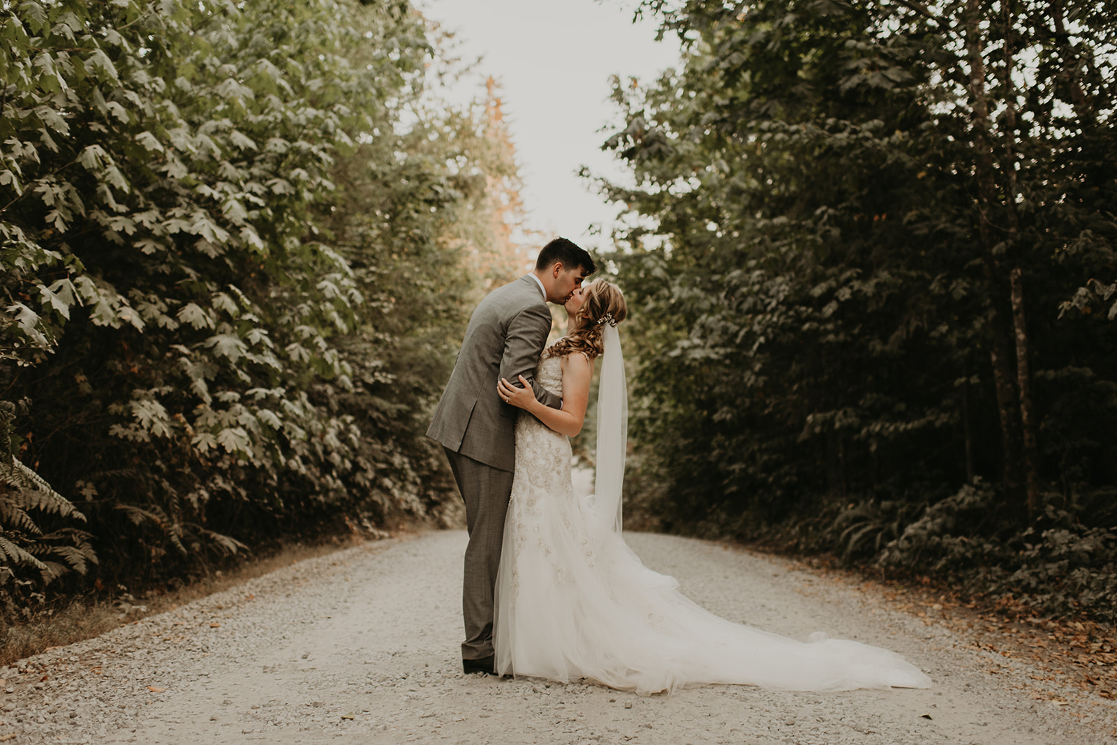 The Final Countdown / $2000 - Are you a hands-on bride? We help you assemble your vision and are available to answer questions along the way. You hand over reins the month before the wedding. We wrap up the final details to organize and execute your big day.