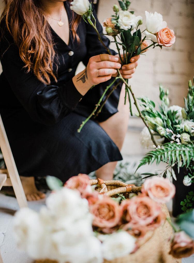seattle-wedding-planner-adventure-elopement-florist-angelene-little-villanelle-floral-2