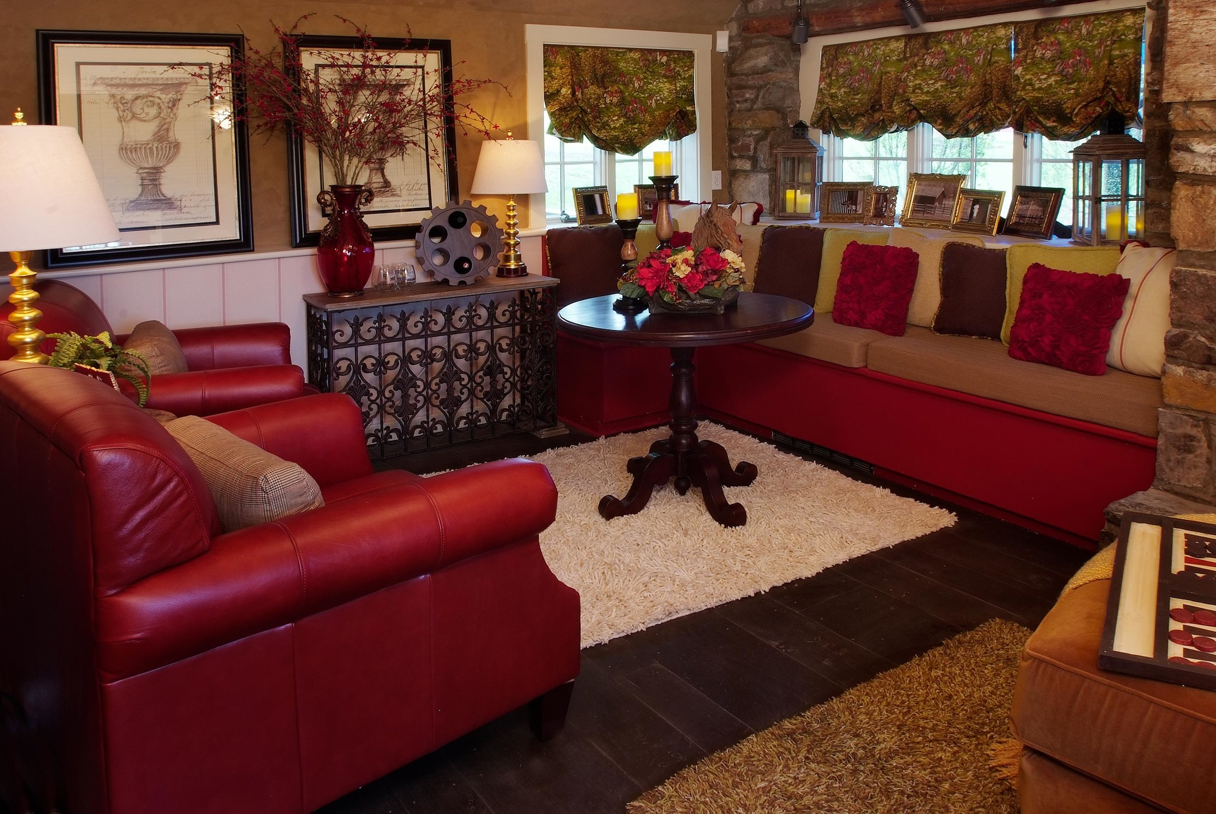 Luxurious living room with red furniture