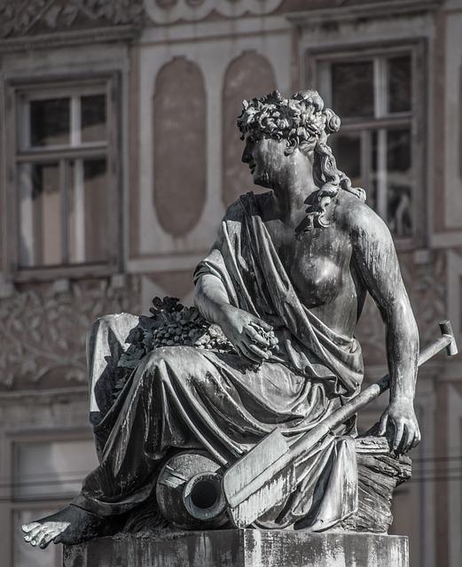 Image of Roman statute of Minerva by  rottonara  from Pixabay