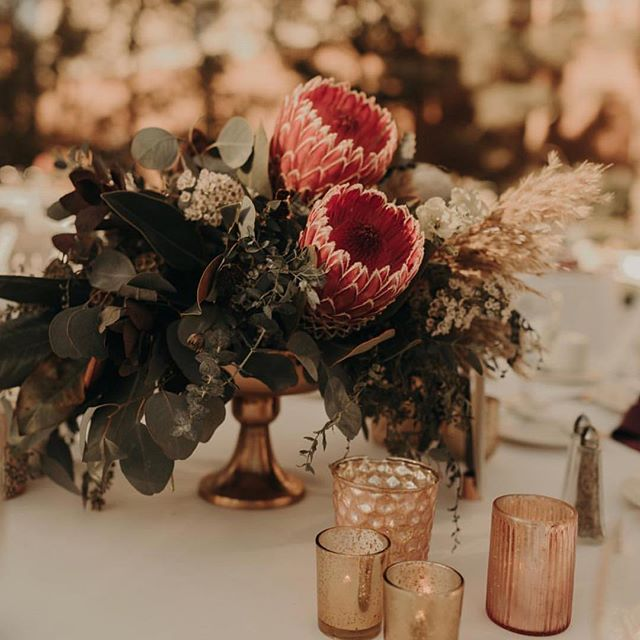 Repost of statement flowers and vintage gold!
