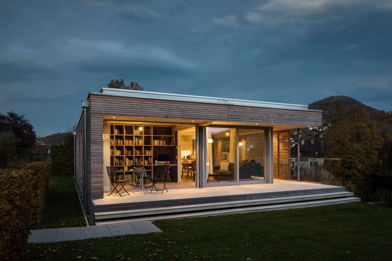 neubau-einfamilienhaus-holz-pavillon-veranda-glas_st-gallen-terrasse.jpg